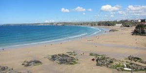 Image by Proper Handsome Wikimedia - https://commons.wikimedia.org/wiki/File:Towan_Beach,_Newquay_Cornwall.jpg
