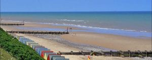 Image by TourNorfolk https://en.wikipedia.org/wiki/Norfolk#/media/File:Mundesleybeachnorth.jpg