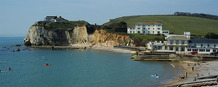 Cropped image from https://upload.wikimedia.org/wikipedia/commons/1/12/Freshwater_Bay%2C_Isle_of_Wight_-_geograph.org.uk_-_1801121.jpg